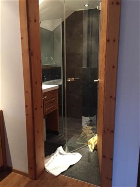 Direct Shower Door Reviews Small Bathroom Shower Door Opening The Wrong Way Picture Of Hotel Romerweg Fiss Tripadvisor