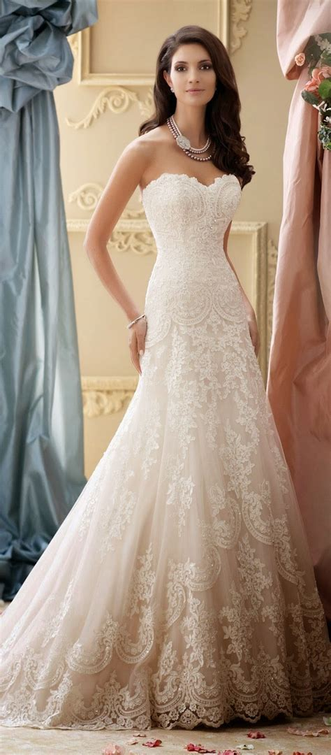 Sophia Tolli brought so many beautiful pieces to our