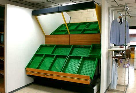 scaffali frutta e verdura scaffali per frutta e verdura usati arredamento negozio