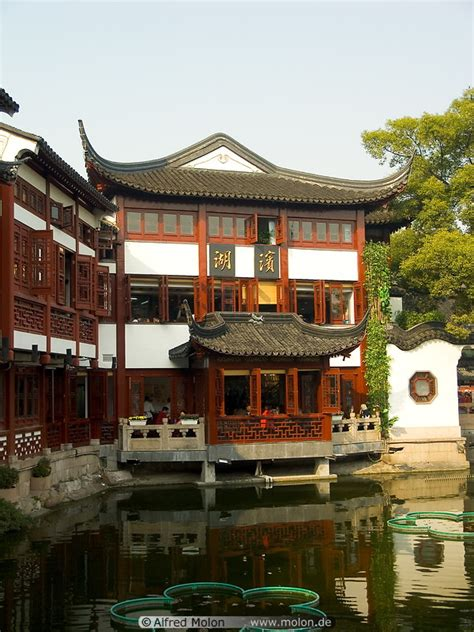 ancient chinese house picture yu yuan gardens shanghai ancient chinese house picture yu yuan gardens shanghai