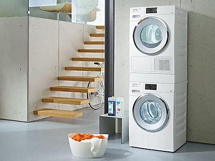 bosch waschmaschine und trockner übereinander stellen wie m 246 chten sie ihr ger 228 t aufstellen leitthemen