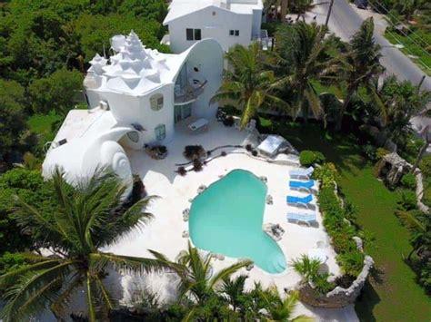 dreamy vacation seashell house isla mujeres mexico
