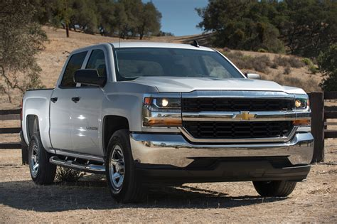 Chevrolet Silverad 2017 Chevrolet Silverado 1500 Reviews And Rating Motor Trend