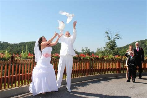 8 Interesting Wedding Traditions by Unique Wedding Traditions From Around The World Top 10