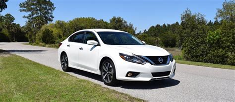 nissan altima sport 2016 2016 nissan altima 2 5 sr hd road test review drive