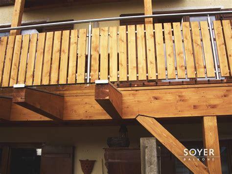 balkongeländer edelstahl holz balkongel 228 nder holz edelstahl kombiniert das beste aus