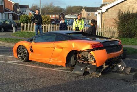 Damaged Lamborghini For Sale Uk Lamborghini Gallardo Lp550 2 Bicolore Crashed In The Uk