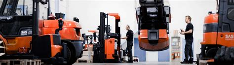 Forklift Technician by Technician Is The Key To Efficient Forklift Service