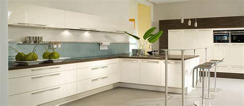 nieuwe keuken aanschaffen nieuwe keuken kopen denk ook aan een showroomkeuken