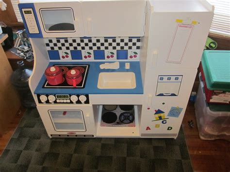 Melissa and Doug Deluxe Kitchen #Review   Just Plum Crazy