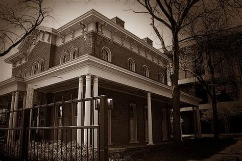 hull house haunted haunted hull house www pixshark com images galleries with a bite