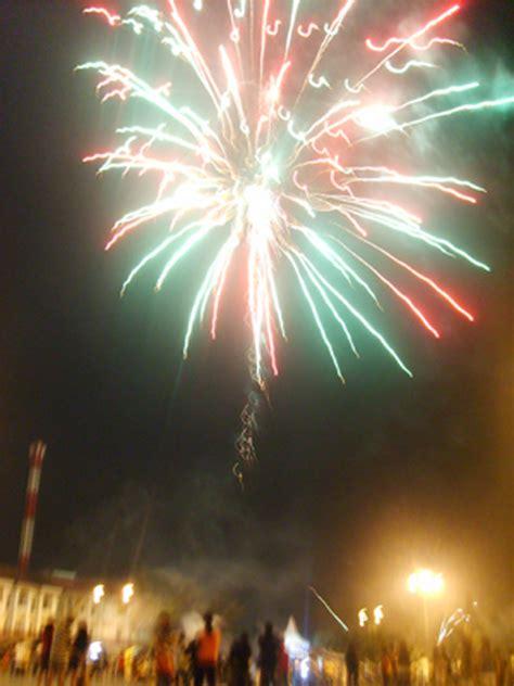 Lu Hias Kembang Api pesta kembang api di bulukumba