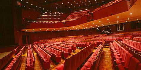abbonamento interni record per il piccolo teatro di 25mila abbonamenti