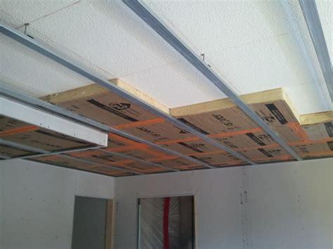 Quel Rouleau Pour Peindre Un Plafond by Quelle Epaisseur Isolation Faux Plafond R 233 Nover En Image