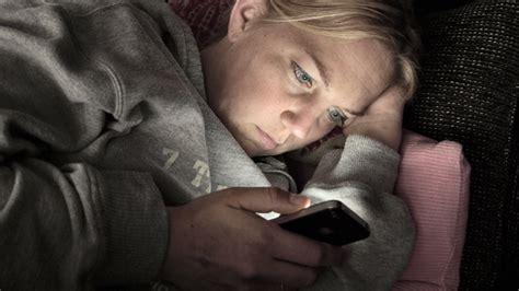 amener t 233 l 233 phone au lit loin d 234 tre une bonne id 233 e