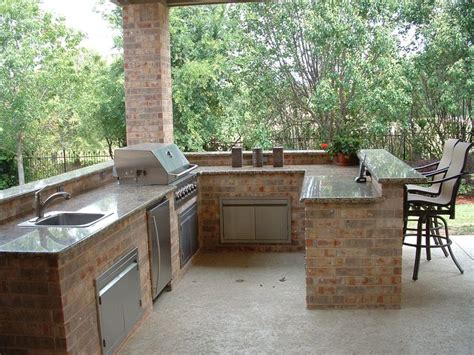 the benefits of a divine outdoor kitchen for your home best 25 outdoor kitchen plans ideas on pinterest