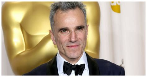 current movies mollys game by daniel day lewis and vicky krieps oscar legend daniel day lewis retiring from acting do you remember