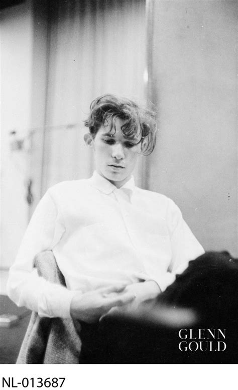 """Photos from """"The Great Gould"""" by Peter Goddard – Glenn Gould"""