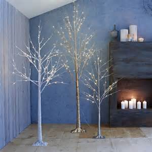 20 modern christmas and holiday home decorations and decor