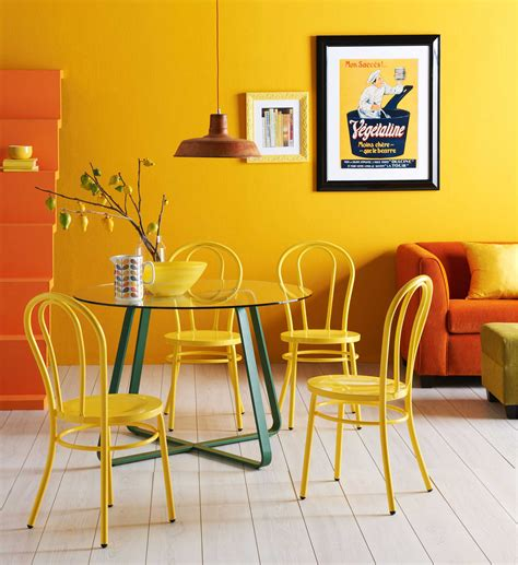 Living Room Wall Colour Combination For Luxury Decor With Yellow Bedroom Chairs