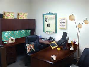 How To Decorate An Office how to decorate your office for your personality breezy