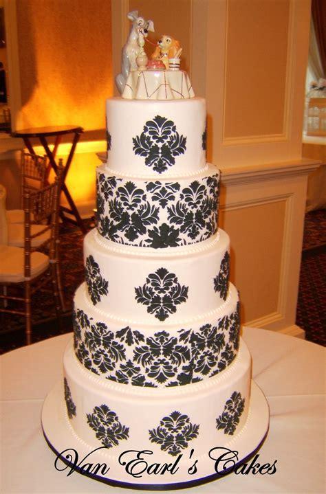 Charly's blog: damask wedding cake