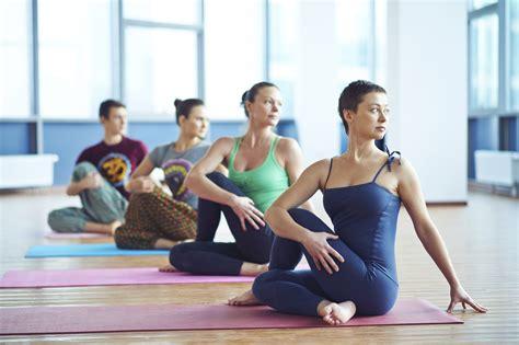 imagenes del grupo yoga university of ottawa student body to bring back free yoga
