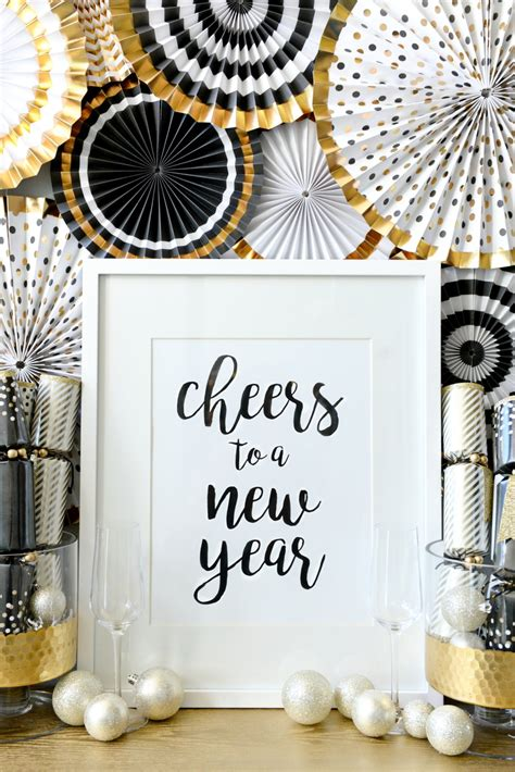 how to transition decor to new years hello