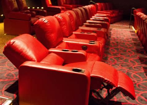 Amc Theatres With Reclining Seats by Amc Theaters To Add Reclining Seating