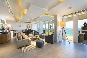 Dining Room Set For Sale Miami Fl The Quot Kourtney And Khloe Take Miami Quot Penthouse Is For Sale