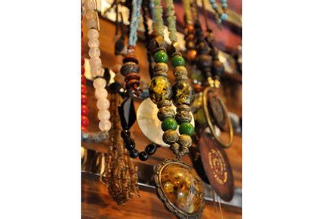Aneka Kalung Cantik kalung cantik untuk busana muslimah republika