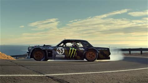 hoonicorn v2 uh oh the hoonicorn v2 might be pulling ahead of aussie