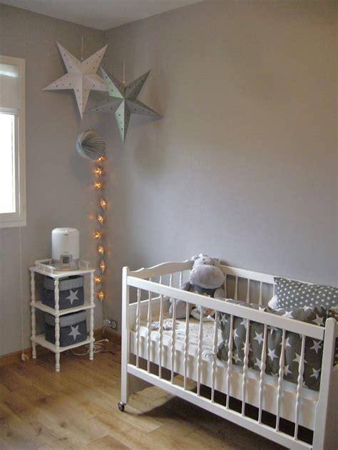 decoration chambre bebe etoile une chambre de b 233 b 233 233 toil 233 e sous le lantern