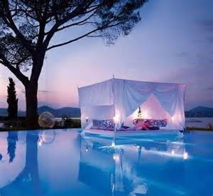 Are Waterbeds Comfortable The World S Most Amazing Beds The Travel Blog By