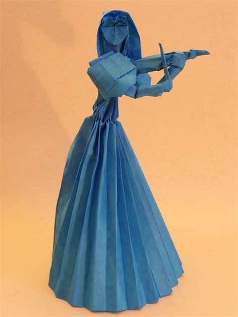 Origami Violinist - violinist hojyo takashi