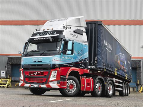 first volvo truck 100 first volvo truck watch a volvo fh towing a
