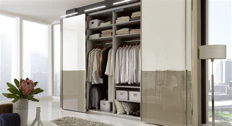 Kleiderschrank Mit Innenausstattung by Schwebet 252 Renschrank In Dekor Mit Glasfront 2 Bis 4 T 252 Rig