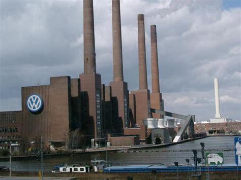 Autoversicherungen Wolfsburg by Wolfsburgs Wahrzeichen Reisef 252 Hrer Wolfsburg Travunity