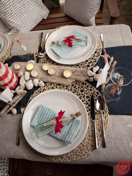 tavola estiva apparecchiata la decorazione tavola per la cena alla marinara casa e trend