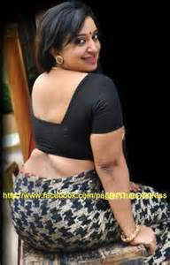 aunty in sarees back view with big gaand picture 14