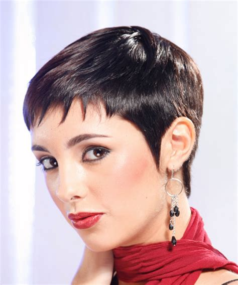 razor cut hairstyles for older women with wavy hair layered hair razor cuts and one length cuts