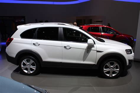chevrolet captiva chevrolet captiva looks mildly refreshed and ready for