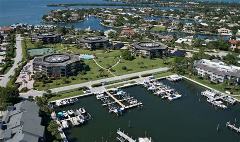boat slips for rent vero beach fl harbour side yacht club the moorings realty sales co