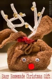 reindeer towel easy homemade christmas gift a mom s take