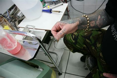 tattoo needle soldering jig mark pettigrew nine mag online tattoo magazine shop