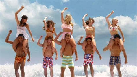 teen beach movie how to do a bee hive hairdo ahora disponible en dvd teen beach movie teen beach