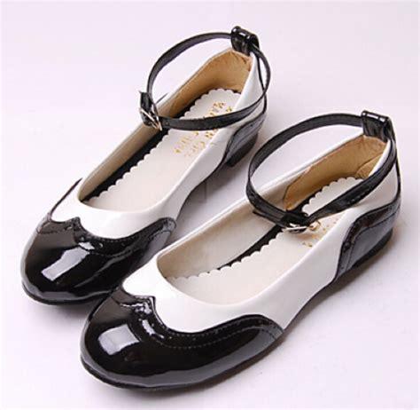 Sepatu Delta Warna Hitam 2015 gaya inggris sepatu hitam wanita warna hitam dan