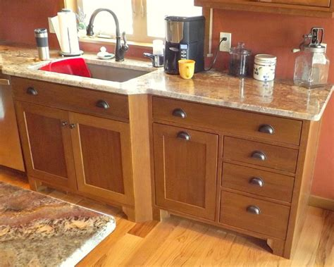 craftsman kitchen cabinets craftsman quartersawn oak cabinetry craftsman kitchen