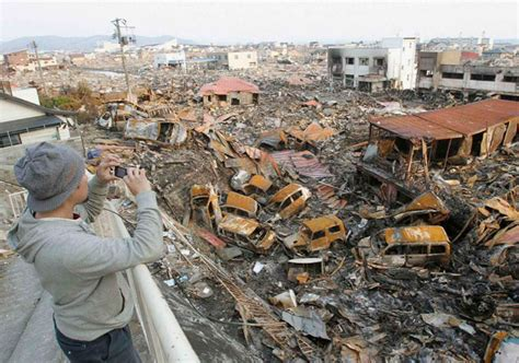 imagenes tsunami japon 2013 jap 243 n contin 250 a la reconstrucci 243 n tras el tsunami de 2011