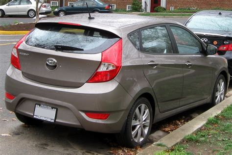 hatchback hyundai accent hyundai accent 2012 hatchback se